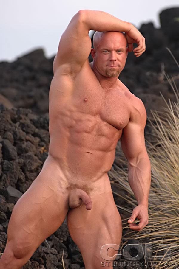 Luke Garrett Gay Por