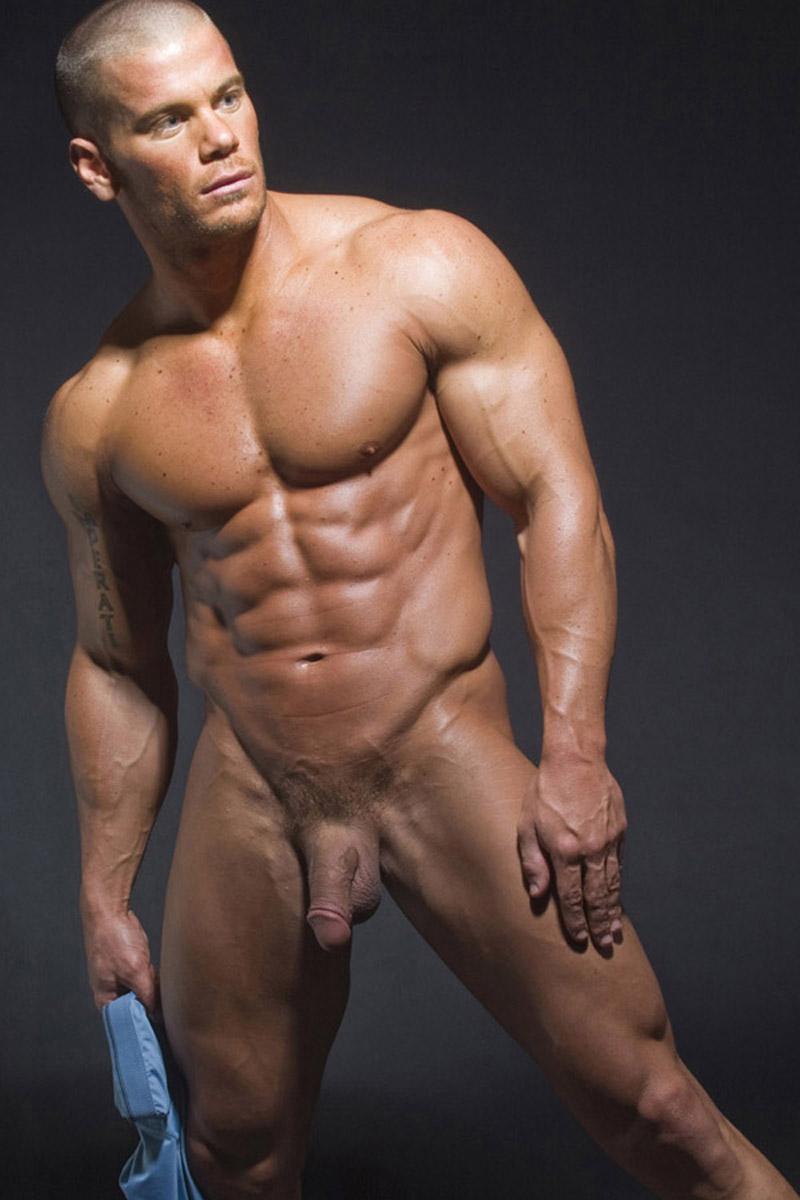 DamonManifest 016 Huge Gay Bodybuilder Zeb Atlas Lives Here!
